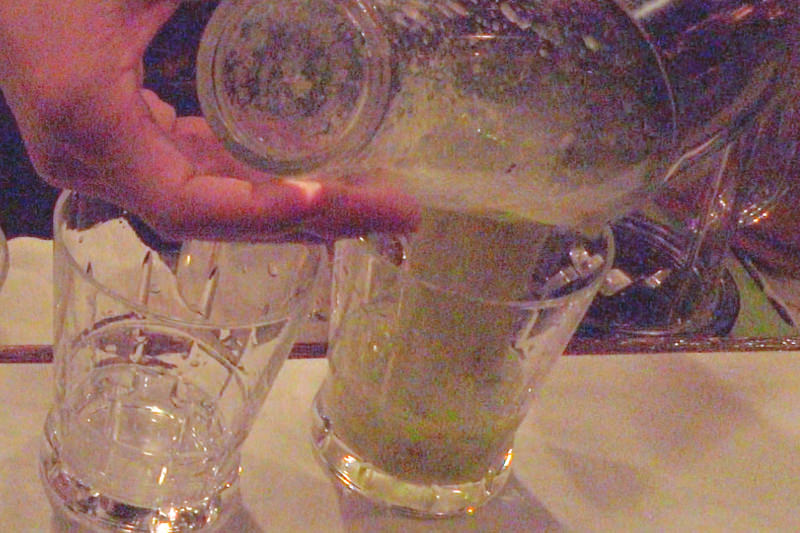 グラスに注いで完成!